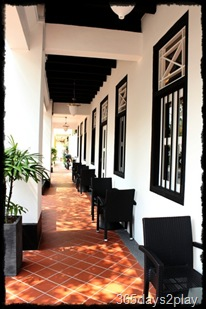 Black Earth alfresco seating along 1st floor corridor