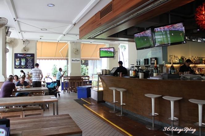 Boomerang Bistro & Bar