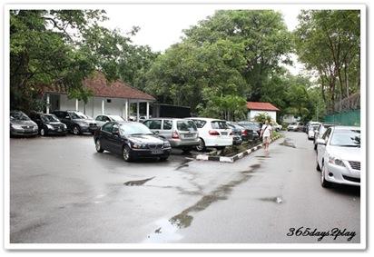 Free parking area at Loewen Gardens