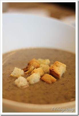 Room - Mushroom Soup
