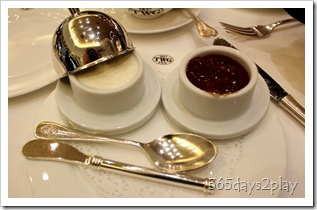 TWG - Whipped cream and tea jelly