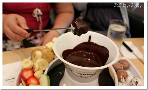 Häagen-Dazs chocolate solidifies on ice-cream