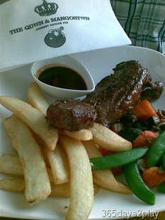 The Queen and the Mangosteen steak and fries