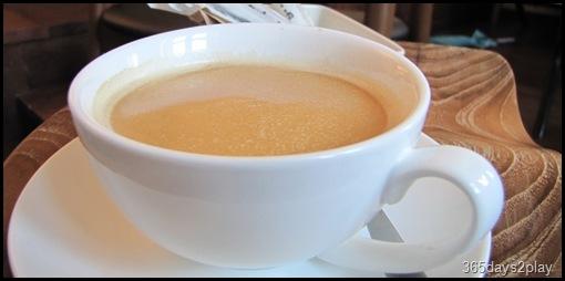 Cafe Fables hot cafe latte