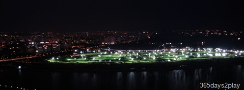 Night view of the Marina Bay Golf Course