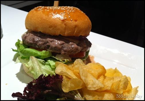Canele - Cheese Burger