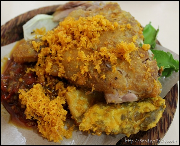 Ayam Penyet with Beancurd and Tempeh