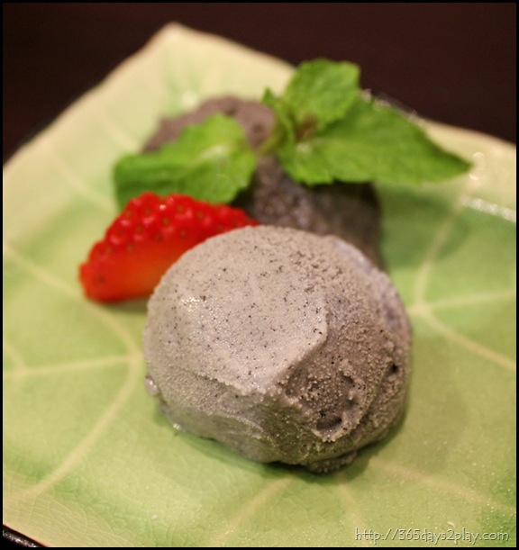Black Sesame Ice Cream (2)