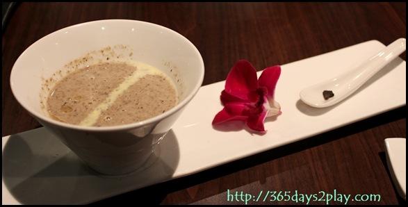 Dozo - Mushroom Soup with Truffle