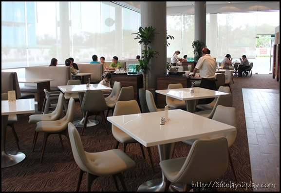 Man Chu Restaurant Seating Area (2)