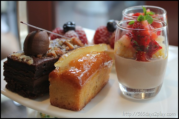 The Knolls - Decademt Chocolate Cake and Orange Cake