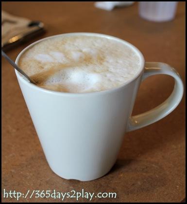 Broun Cafe Cafe Latte
