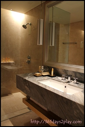 Marina Bay Sands Room (5)