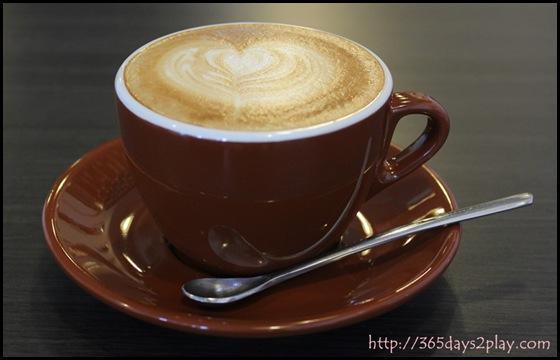 Dann's Pescetarian Cafe - Cafe Latte (2)