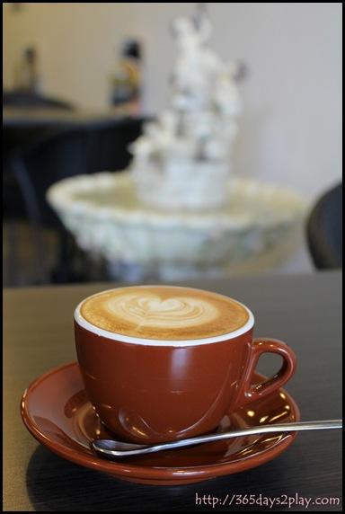 Dann's Pescetarian Cafe - Cafe Latte (3)