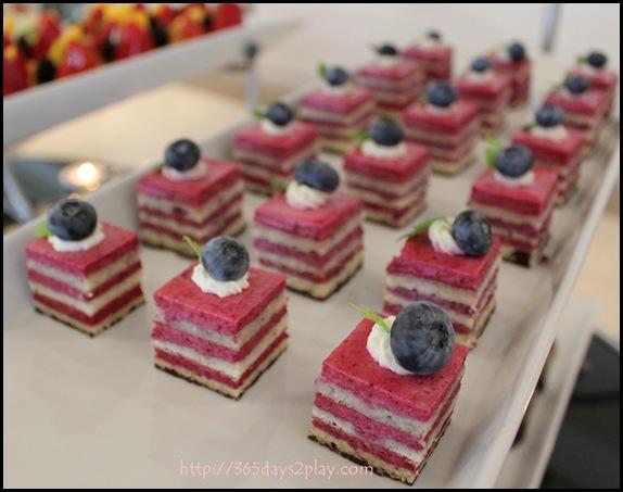 L'Espresso - Blueberry Layer Cake