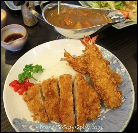 Daikokuya - Tonkatsu and Ebi Fry Curry Rice