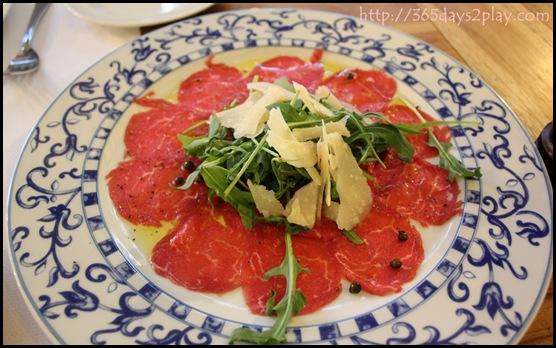Pietra Santa - Beef Tenderloin, Rocket Salad, Parmesan Cheese