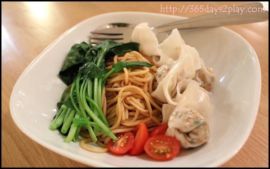 Real Food - Organic dumplings  with wholegrain ramen noodles