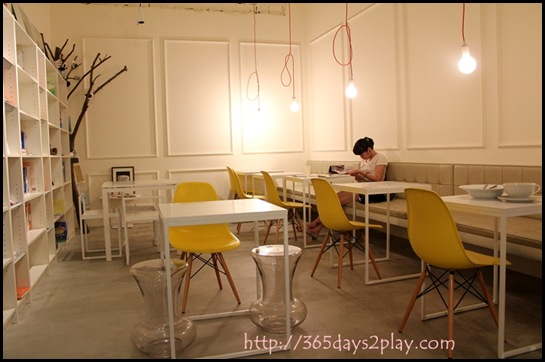 Real Food - Seating Area (2)