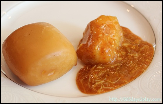 Regent Hotel Weekend Afternoon Tea - Crab Curry with Mantou