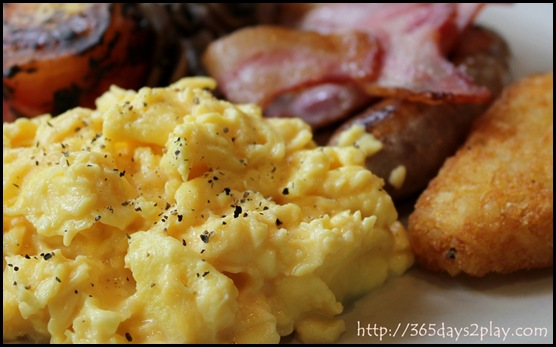 Casa Verde - Gourmet Breakfast with Scrambled Eggs (2)