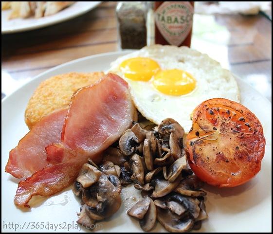 Casa Verde - Gourmet Breakfast with Sunny side Up