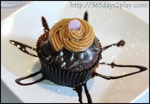 Soho7 - Delicious Chocolate Cupcakes (2)