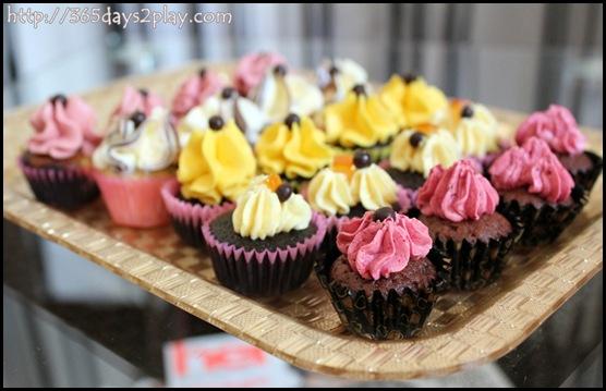 Oni cupcakes (3)