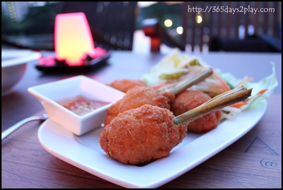 Vineyard @ HortPark - Prawn cakes