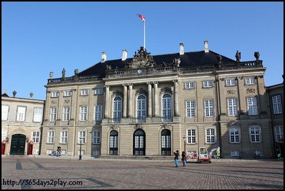 Amalienborg Palace (2)