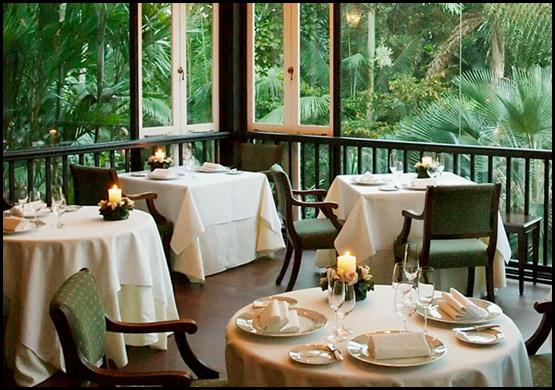 Au Jardin Dining Area