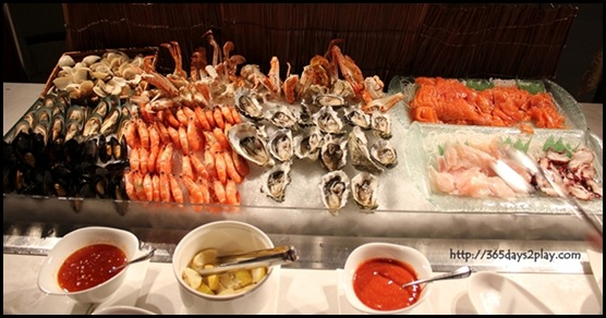 Grand Park City Hall - Fresh Canadian Oysters, Assorted Clams, Black Mussels, Tiger Prawns, Flower Crabs