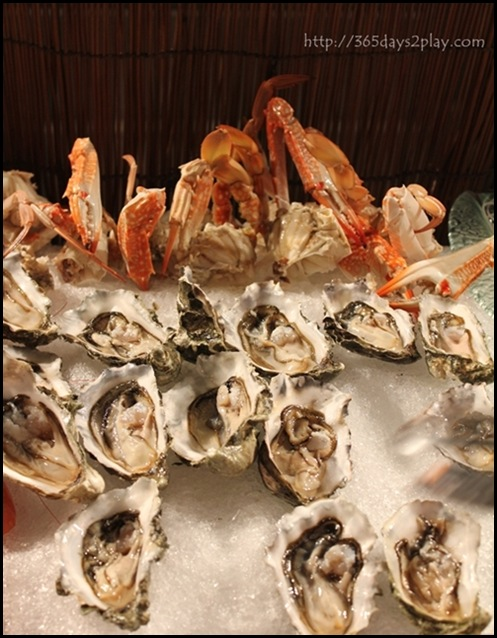 Grand Park City Hall - Fresh Canadian Oysters and Flower Crabs