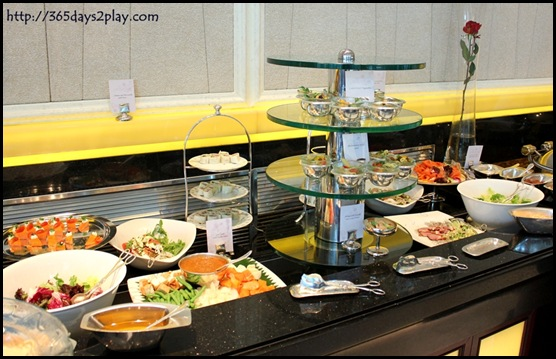 Shangri La Rose Veranda - Main Buffet Counter