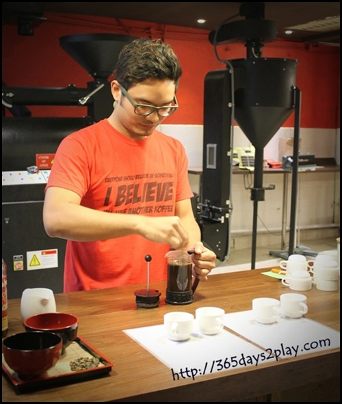 Yahava Koffeeworks - Fahmi preparing the coffee samples