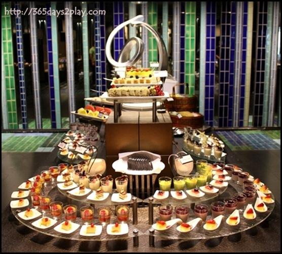 Crowne Plaza Changi Airport Azur Restaurant - Dessert Section (2)