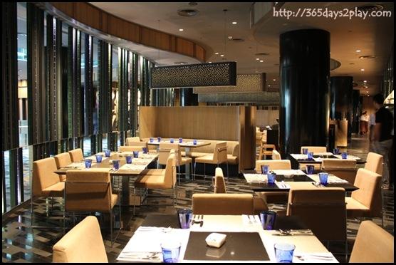 Crowne Plaza Changi Airport Azur Restaurant Seating Area (2)