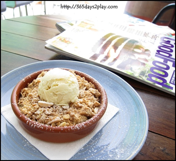 Kooka Cafe - Apple Crumble with Vanilla Ice Cream