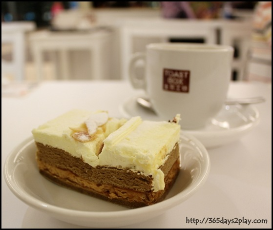 Toastbox - Peanut Cake