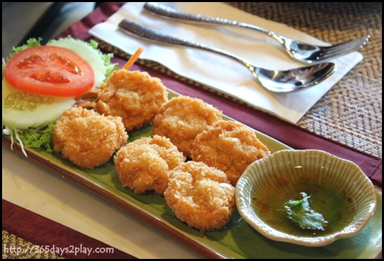 Mai Thai Restaurant - Prawn Cake (2)