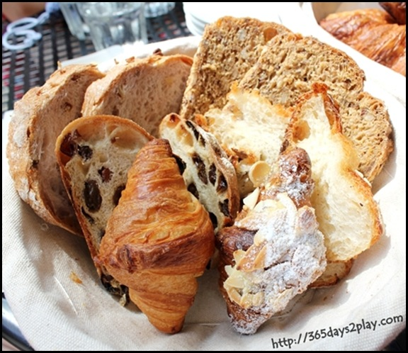 Baker & Cook - Bread and Viennoiserie Basket