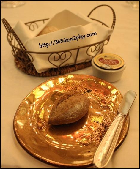 Brasserie Les Saveurs - Bread Basket (2)