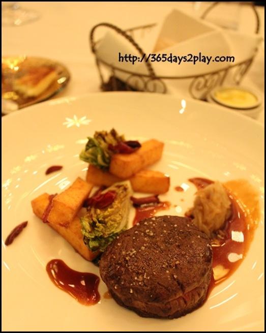 Brasserie Les Saveurs - Roasted Beef Tenderloin, polenta sticks, sucrine salad, tomatoes and olives, red wine sauce