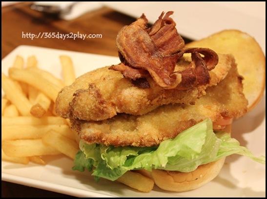 Charly T - Jumbo Schnitzel Burger