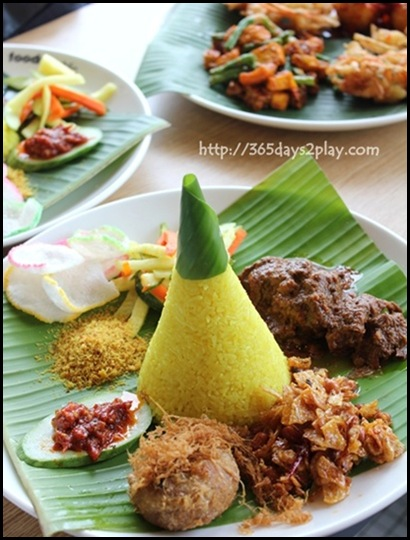 Food Republic @ 112 Katong - Dapur Padang Stall Nasi Kuning set $6.90