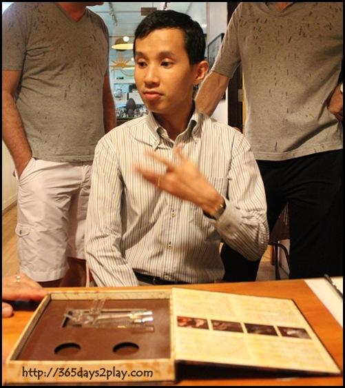 Laurent Bernard Chocolatier - Sniff the chocolate! (5)