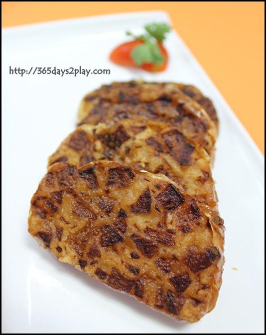 Fan Play Savouries - Sar Kok Liew (Stuffed Yam Bean)