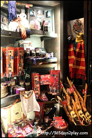 Harry Potter The Exhibition - Souvenir Shop (5)