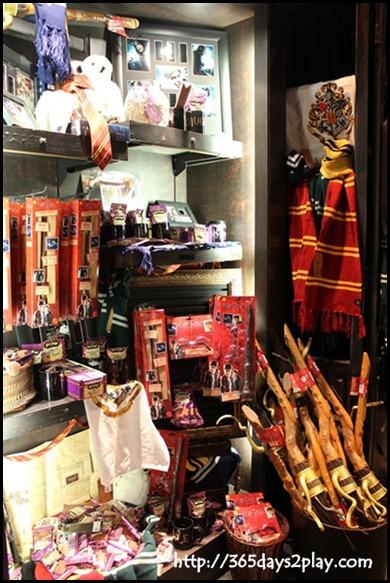 Harry Potter The Exhibition - Souvenir Shop (5)
